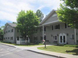 Lakeside Manor exterior.jpg